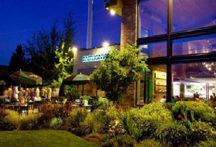 6 Things We Love About Anthony's Restaurant in Bend During the Summer